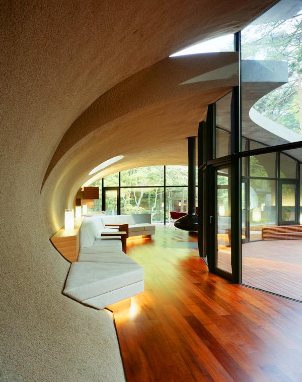 Големи стъклени фасади - истински светлинен спектакъл